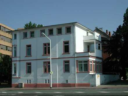 Darmstadt Nähe Schloß: Sanierte 3 Zi.-Altbau-Whg. mit Gartennutzung