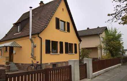 Großes Grundstück mit kleinem Siedlungshaus in guter Lage