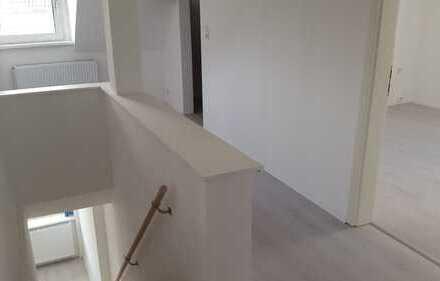 Frisch renovierte 4Zi. Maisonette-Wohnung zu vermieten !