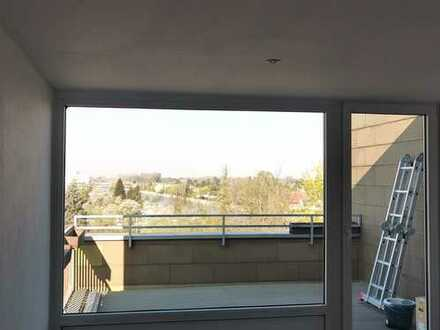 Direkt am Kanal!! Erstbez. n. Sanierung: exkl. 3-Zimmer-Terrassen mit EBK und Balkon in Hannover
