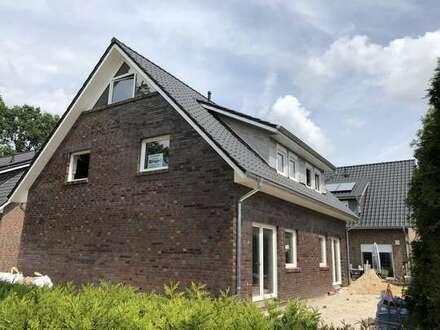Neubau-Erstbezug zweier Doppelhaushälften im Hopfenweg von Oldenburg