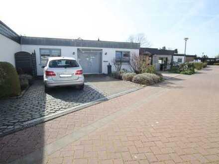 Modernes, beidseitig angeb. Einfamilienhaus (Bungalow) in gefragter Wohnlage von Troisdorf-Eschmar