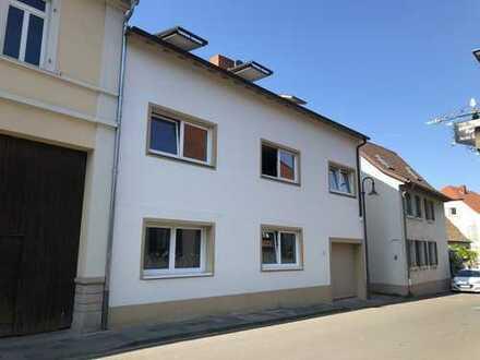 Neuwertige 3-Zimmer-Wohnung mit Terasse im Zentrum von Freinsheim