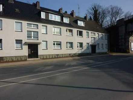 Erstbezug nach Renovierung einer 3,5 Zimmer Wohnung in Essen, Bergeborbeck/Vogelheim