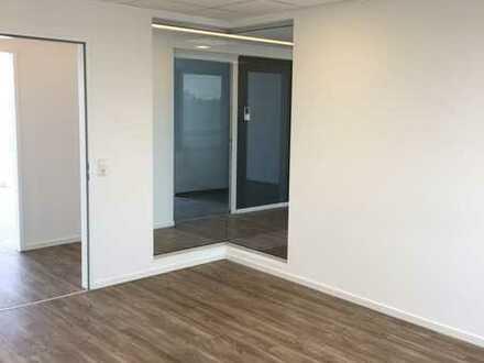 Gutes Preis- Leistungsverhältnis ! Moderne Büros mit Stellplätzen nahe der A52