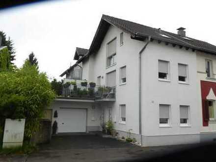 Haus im Haus mit großer Terrasse, Garten und Garage in Sackgassenlage