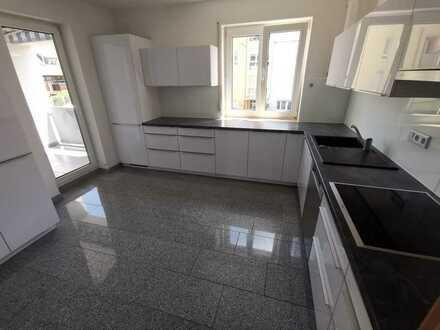 900 € - 79 m² - 3.0 Zi.