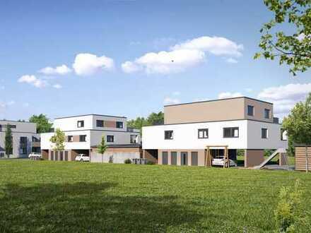 Familienwohnung mit großzügigem Wohnbereich und Balkon in familienfreundlicher Umgebung