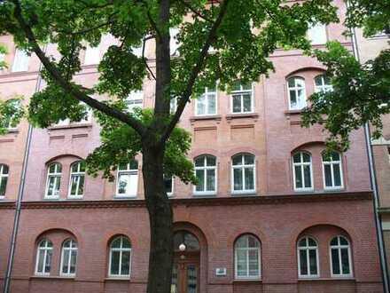Kleine, schöne 3 Raum Wohnung mit Balkon zu vermieten