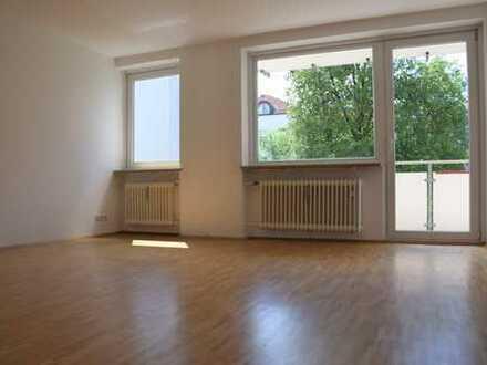 Exklusive, gepflegte 3-Zimmer-Wohnung mit Balkon in Moosach, München