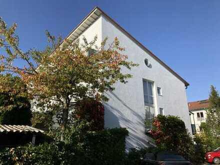 Großzügiges Reihenendhaus mit sieben Zimmern in Karlsruhe, Rüppurr (provisionsfrei)