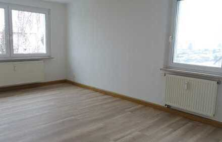 **Neu- renovierte 3- Raum Wohnung in bester Lage**