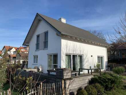 Modernes Einfamilienhaus in ruhiger Wohnlage in Lauben/Frickenhausen
