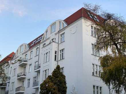 Außergewöhnliche Dachgeschosswohnung mit wunderschöner Dachterrasse