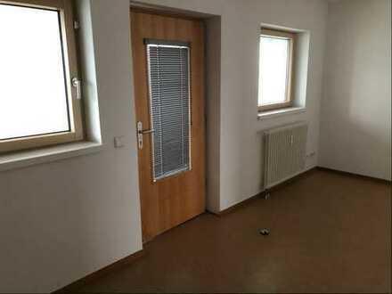 2-Zimmer-Wohnung sucht glückliches Paar