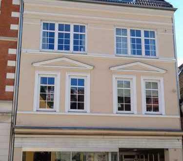 Schöne 5-Zimmer Wohnung in der Altstadt WG geeignet