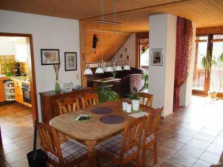 Großzügige und freundliche 3-Zimmer-Wohnung in Zentrumsnähe mit Loggia