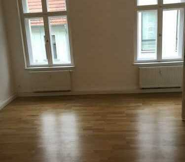 Geräumige, sanierte 2-Zimmer-Wohnung mit gehobener Innenausstattung in Brandenburg an der Havel