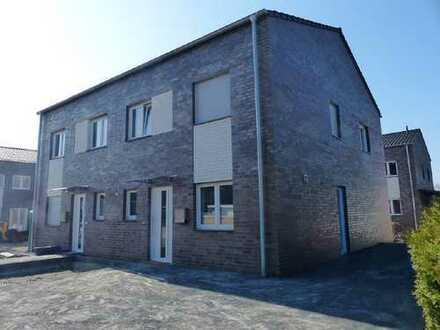 Neubau-Doppelhaushälfte in Hochmoor