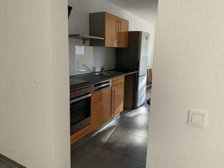 Vollständig renovierte Wohnung mit drei Zimmern sowie Balkon und EBK in Schramberg-Sulgen