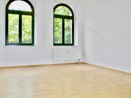 Große 4-Raum-Wohnung mit Einbauküche in Furth