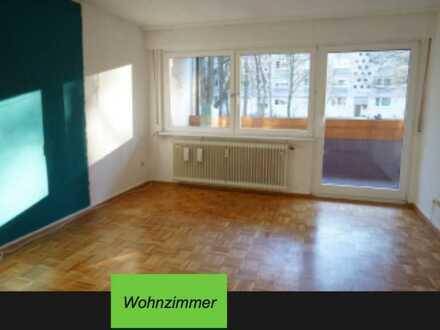 In Karlsruhe: Gepflegte Erdgeschosswohnung mit drei Zimmern und Balkon