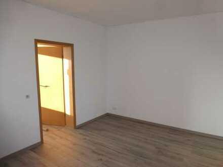 Neusanierte 2-Raum Wohnung in Heinrichsort (Prinz-Heinrich-Strasse)
