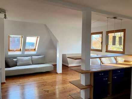 Schöne 2-Zimmer-Dachgeschoss-Maisonette-Wohnung in Stuttgart-Degerloch