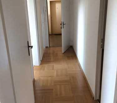Schöne drei Zimmer Wohnung in Freiburg im Breisgau, Betzenhausen
