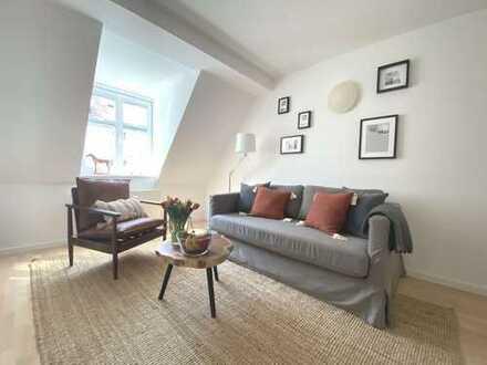 NEU renovierte und möbilierte 2 Zimmer Dachgeschosswohnung im Herzen von Haidhausen