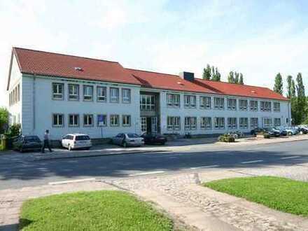Ärztehaus Calbe - große Praxis- / Büroeinheit mit eigenem Zugang