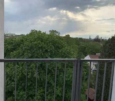 3 Zimmer Eigentumswohnung im obersten Stock mit 2 Balkonen