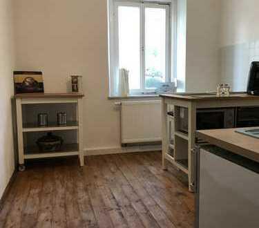 Freundliche, vollständig renovierte 3-Zimmer-Hochparterre-Wohnung in Augsburg