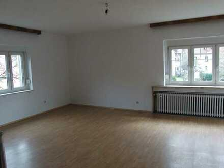 Großzügige 2-Raum-Wohnung im Zentrum von Steinbach-Hallenberg