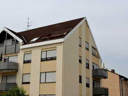 Sehr schöne helle 3-Zimmer-Wohnung, Küche, Bad, Balkon
