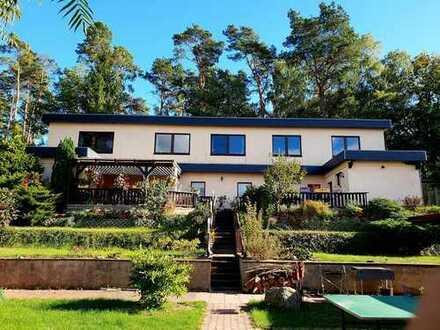 Wohnen für große Familien oder Ferienhäuser 4 Gebäude zur Eigennutzung/ Gewerbe inkl. Bootssteg