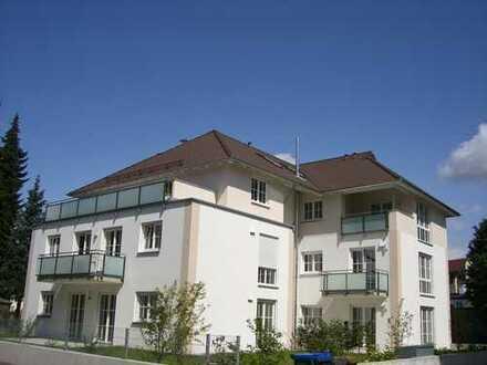 schöne 3 Zimmer Galerie Wohnung mit Dachterrasse in bester Lage