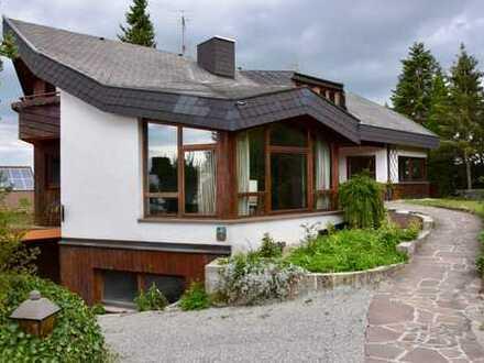 Ausergwöhnliches Einfamilienhaus mit Einligerwohnung