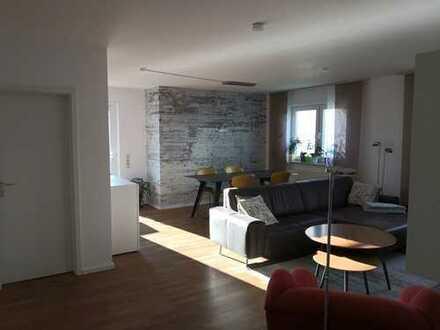 Schöne, helle und ruhige drei Zimmer Wohnung mit Terrasse in Rödermark