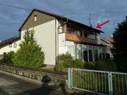 HELLE und FREUNDLICHE 3,5 Zi-Wohnung in SONNIGER Lage mit GROSSEM BALKON und GARTENANTEIL!