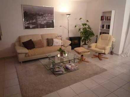 3 Zimmer Wohnung mit Süd-West-Balkon im 3-Familienwohnhaus von Privat, KEINE Maklerkosten