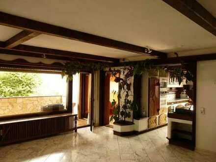 Luxeriöse 4 Zi-Wohnung in mediterranem Landhausstil