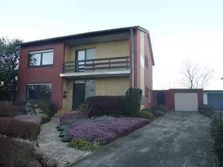 Großzügiges Einfamilienhaus mit schönem Grundstück sucht nette Mieter...