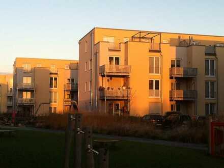 FAMILIENTRAUM - Geräumige 4,5-Zimmer-Wohnung mit großem Mietergarten am BUGA-Park