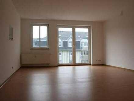 4 Raum mit 2 Balkonen und Stellplatz möglich !