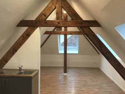 Sanierte 1,5-Zimmer-DG-Wohnung mit EBK in Auerbach