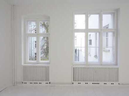 Frisch sanierte 1-Zimmer-Altbau-Wohnung in Einzeldenkmal in Berlin-Friedrichshain!