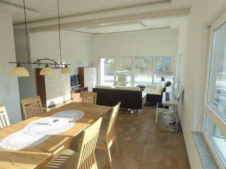 Repräsentativ wohnen und arbeiten! 130m² Wohnfläche und 448m² Geschäftsfläche