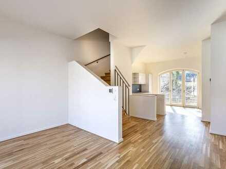 Erstbezug Bleichert Werke - Stadthaus mit EBK, 2 Bädern, Terrasse & Balkon, Klima & Garage