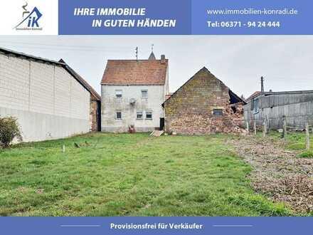 IK   Höheinöd: Abrissobjekt auf einem ca. 970m² Baugrundstück